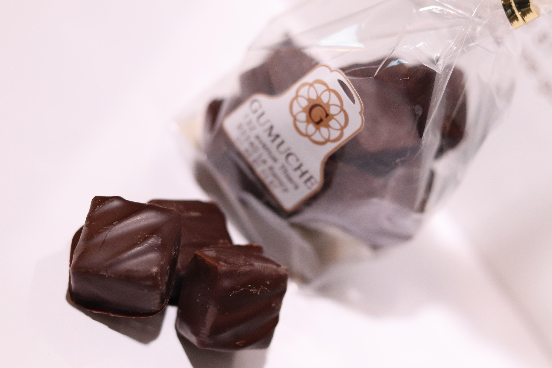 Composition des tablettes en masse de cacao, sucre et lait